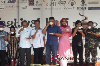 Bupati Temanggung kampanyekan sehari minum kopi