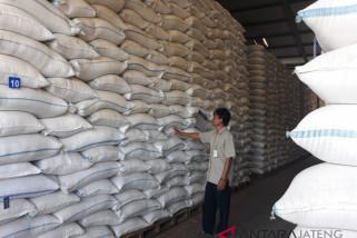 Stabilisasi harga, Bulog distribusikan 30 ton beras medium