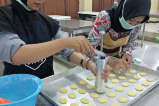 Biskuit menyehatkan dari kacang hijau inovasi dosen Unnes