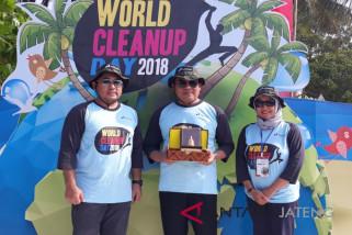 World Clean Up Day 2018, Pertamina bersihkan Pantai Nyampung Ragas Karimun Jawa.