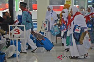 Debarkasi Surakarta telah pulangkan 50,42 persen jamaah haji