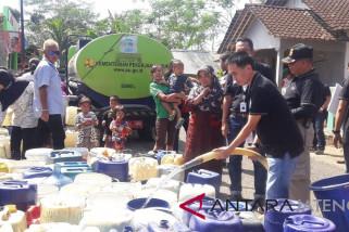 Distribusi air bersih di Temanggung terkendala armada