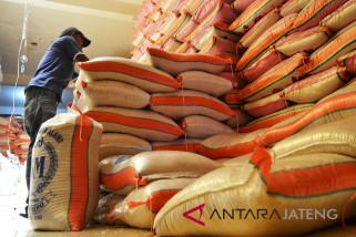Panen mulai berakhir, harga beras berangsur naik