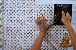 Produksi kain batik cap