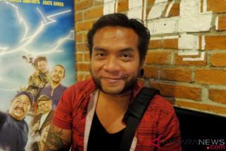 Pesawat jatuh, vokalis Endank Soekamti selamat