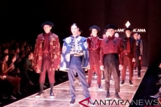Batik Indonesia berpadu dengan tradisi matador Spanyol