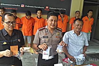 Konsumsi sabu-sabu, 12 warga diperiksa polisi
