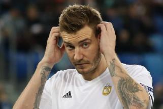 Serang pengemudi taksi, Bendtner dilaporkan ke polisi