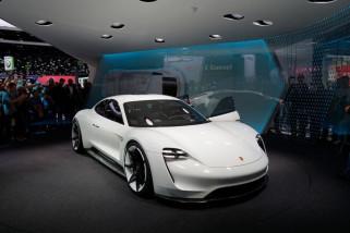 Hindari skandal emisi, Porsche tinggalkan mesin diesel