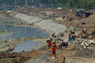 Proyek normalisasi sungai BKT