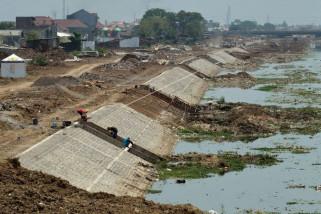 PKL Sungai BKT Semarang Kembali Dibongkar