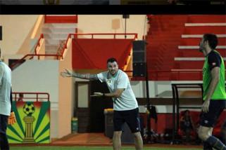 Diisukan bakal tangani timnas, Simon McMenemy puji skuat Garuda
