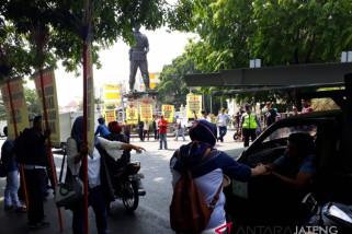 Pinsar petelur protes kenaikan harga jagung