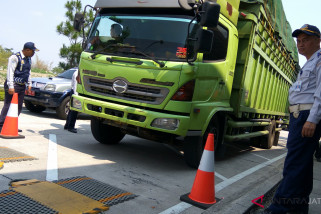 50 angkutan barang ditindak karena odol