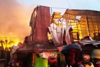 Ratusan kios di Pasar Legi Solo ludes terbakar