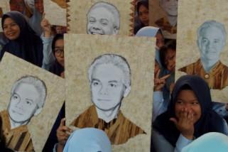 Lukis wajah Ganjar, Siswa SMKN 2 Semarang pecahkan rekor nasional