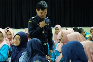 Pelajari kepabeanan, SMK Tamansiswa berkunjung ke Bea Cukai Tanjung Emas