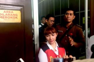 Roro Fitria dapat izin ikut pemakaman ibunya di Yogyakarta