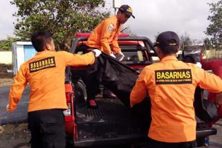 Tim SAR evakuasi jenazah nelayan tenggelam di Cilacap
