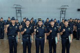 Berprestasi, empat pegawai Bea Cukai terima penghargaan
