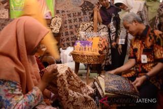 Ganjar: Ada nuansa spiritualisme pada batik rifaiyah