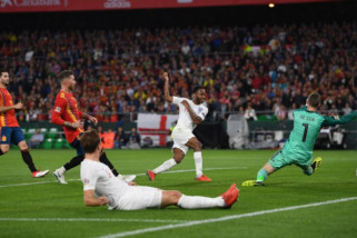 Dua gol Sterling antar Inggris tundukkan Spanyol