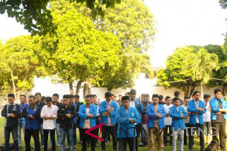 Ratusan mahasiswa Kudus gelar salat gaib