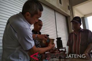 90 persen pedagang Kudus rutin tera ulang timbangan (VIDEO)