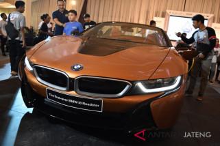 Ratusan mobil BMW meriahkan