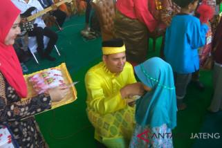 Peringati Maulid Nabi, bangsawan Malaysia santuni anak yatim dan duafa