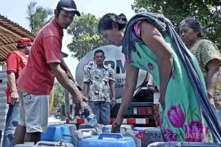Selama kemarau, BPBD distribusikan air 371 tangki