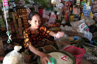 Harga beras naik, pedagang Pekalongan siap operasi pasar