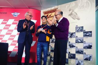 Pedrosa mendapat gelar Legenda MotoGP
