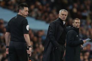 Kalah di Derby Manchester, Mourinho singgung perbedaan jadwal laga MU dan City