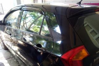 Kiat rawat kaca mobil agar tak cepat kusam