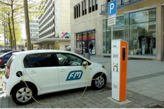 Sejumlah merek berlomba bangun industri baterai mobil listrik