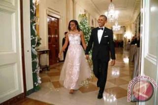 Mantan Presiden Obama beri kejutan kepada istrinya