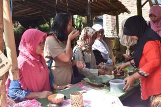Delegasi festival HAM kunjungi Pasar Ting Jati Wonosobo