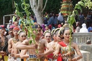 Masyarakat lereng Sumbing gelar ritual Pernikahan Tembakau