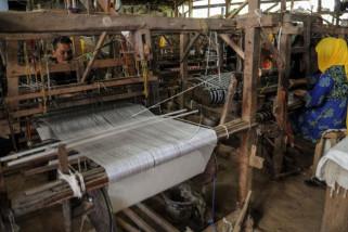 Produksi tenun