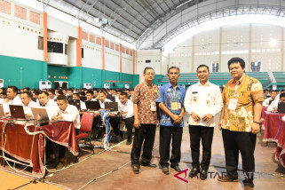 Bupati Batang pastikan tes CPNS dilaksanakan profesional