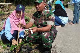 TNI-mahasiswa tanam 1.500 pohon penghijauan