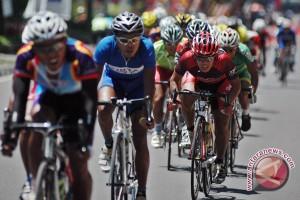 Pebalap sepeda Indonesia tidak berkutik di etape kedua