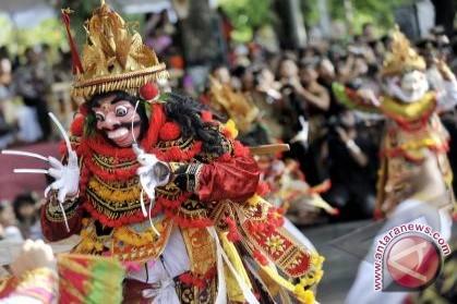 Pentas Kesenian Bali hari pertama pentaskan lima kesenian