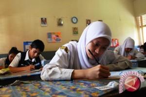 Pemkab Kulon Progo mempraktikkan pendidikan karakter melalui gotong royong