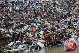 Gropyokan sampah warnai Hari Peduli Sampah Nasional