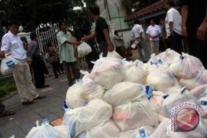 Pemkab Kulon Progo bagikan 3.571 paket sembako