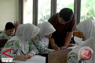 Guru IPS SMP kesulitan kuasai materi pembelajaran