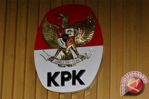 """KPK """"Ngamen Antikorupsi"""" di Stasiun Tugu"""