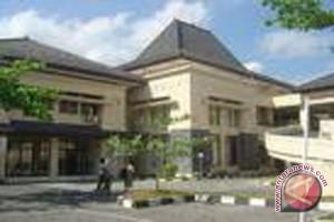 Dewan sesalkan pemutusan kontrak pembangunan Stadion Cangkring